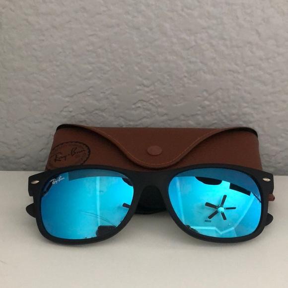 ray ban wayfarer blue lense